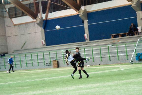 Flere klubber unngår Sørlandshallen: – Umulig å spille fotball der