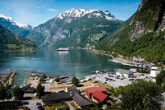 Skulle hatt besøk av 220 cruiseskip i sommer. Nå er fjorden nesten tom.