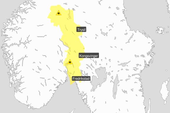Styrtregn ga vanskelige kjøreforhold på Østlandet