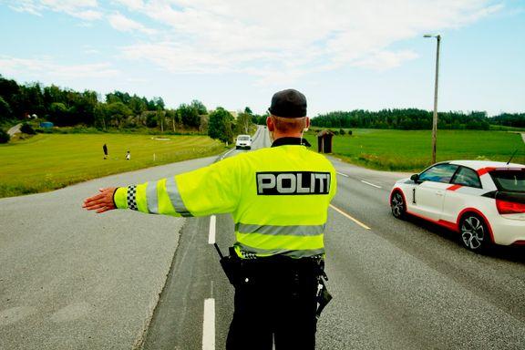 Færre dødsulykker i trafikken, flere tatt i fartskontroll