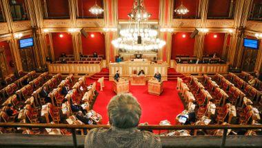 Stortinget retter opp nynorskflause i Grunnloven