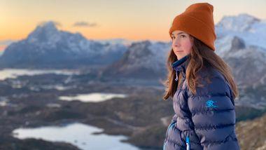 Familien hennes flyttet hjemmekontoret  til Lofoten. Ni tips til deg som vurderer det samme.