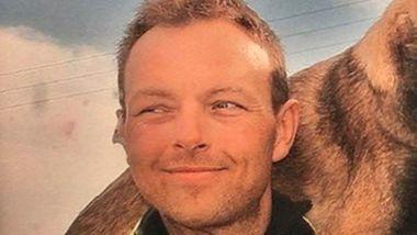 En varm politimann er død, 54 år gammel. Han hjalp mange barn bort fra gaten.