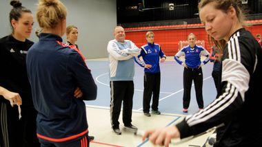 Larvik-treneren før nytt stormøte: – Vi har noe Vipers mangler: Kultur og tradisjon