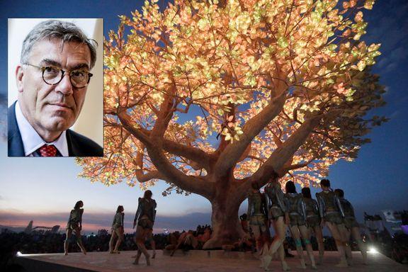 DN: Stein Erik Hagen vil sette opp selvlysende kjempetre i Oslo-park