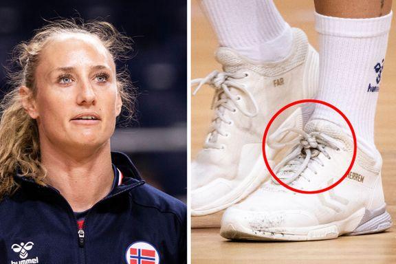 Ringen på venstre sko forteller hva Camilla Herrem savner mest av alt