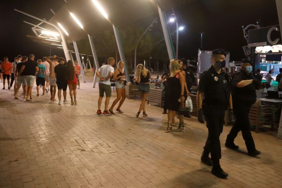 Fulle briter som danser i gatene, vekker sinne på Mallorca