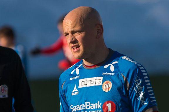 Hans (31) har 137 TIL-kamper i Eliteserien. Denne sesongen har han ikke engang vært i kamptroppen.
