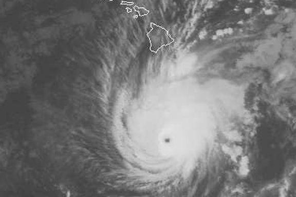 Orkanen Lane nærmer seg Hawaii