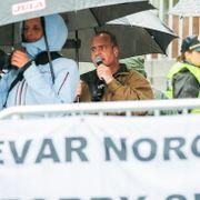 Hamar: Sian møtt av støyende motdemonstranter