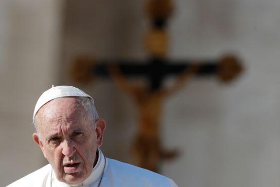 Paven griper inn i rohingya-konflikten