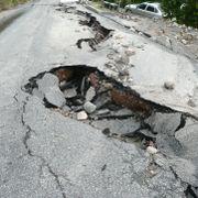Hullene i asfalten må ikke komme. Enkle tiltak kan spare norske kommuner for milliarder.