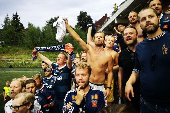 Viking-supportere hylles for søppelrydding: – Et eksempel til etterfølgelse
