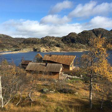 Skal du på fjellet? Disse hyttene er billige å overnatte på - og gir deg litt ekstra luksus