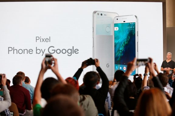 Gjør klar for smarttelefon-krig: Derfor prøver Google å spise Apple