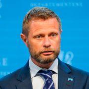 Uro i Oslo-skolen etter smitteøkning. Høie varsler endringer i karanteneregler.