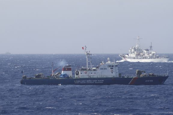 Kina advarer USA, viser muskler før internasjonal dom om Sør-Kinahavet