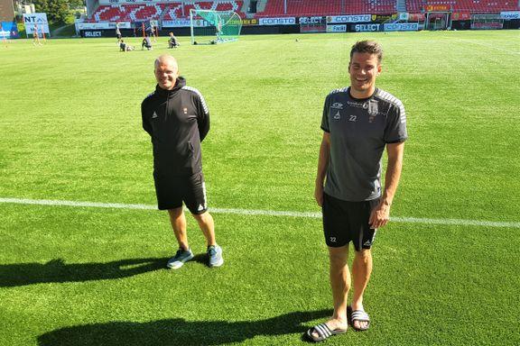 Helstrup har vært sjef for TIL i to måneder. Dette mener kapteinen laget er blitt bedre på.