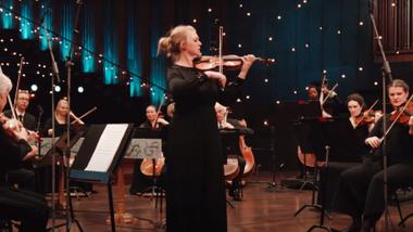 Gir bort digitale julegaver: Se Filharmonien spille Vivaldi for barna
