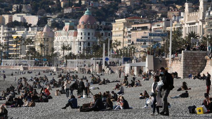 Norsk feriefavoritt på smittetoppen: Men nå eksploderer reisebestillingene til Europa
