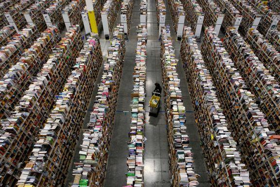 Amazon sørger for at julegavene kommer raskt frem. Ansatte hevder de blir behandlet som roboter.
