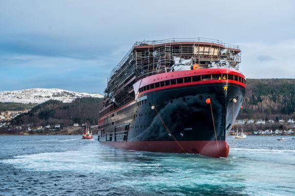 Hurtigrutens nyeste skip sjøsatt
