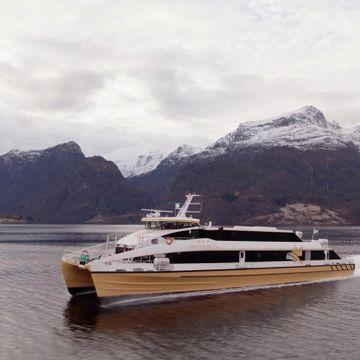 Denne båten dypt inne i Nordfjord gjorde Forsvaret bekymret