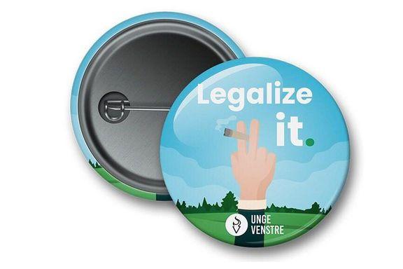 Unge Venstres kampanje for legalisering av hasj: - Vi deler ikke ut rusmidler