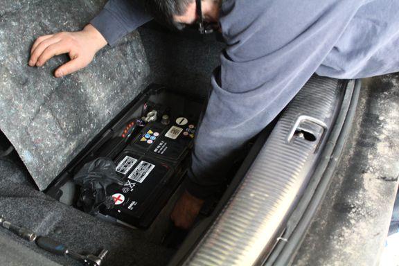 Slik bytter du bilbatteriet selv