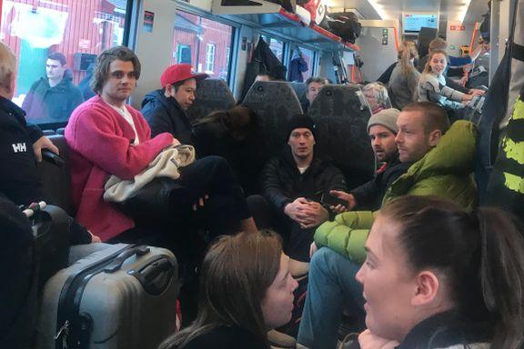 Kaos på toget til Bergen: – Hundrevis må stå