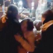 Blod på gaten og skadede mennesker. Sorg har vendt seg til sinne i Iran.