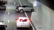 Se video: Her tar bilen u-sving midt i tunnelen. – Fullstendig galskap