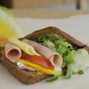 Ap og Sp vil innføre daglige skolemåltider