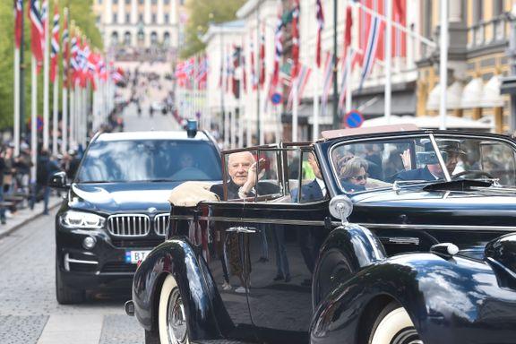 Kongeparet kjørte tur blant folket i «Frihetsbilen»