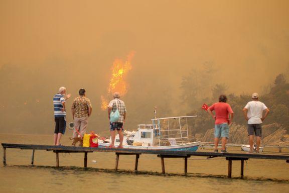 Ferieparadis ble inferno i Tyrkia – folk flyktet i privatbåter