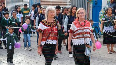 Portforbud, stengt luftrom og ingen penger. Trine og Hanne sitter fast i Guatemala.