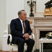 Kasakhstans president varsler sin avgang etter 30 år