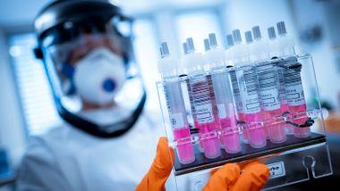 Behandling av koronavirus: Dette er alternativene og dilemmaene