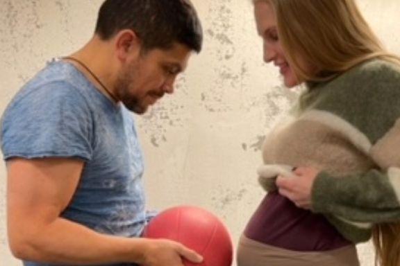 Kickbokser-Thea (36) venter barn – etter fire spontanaborter