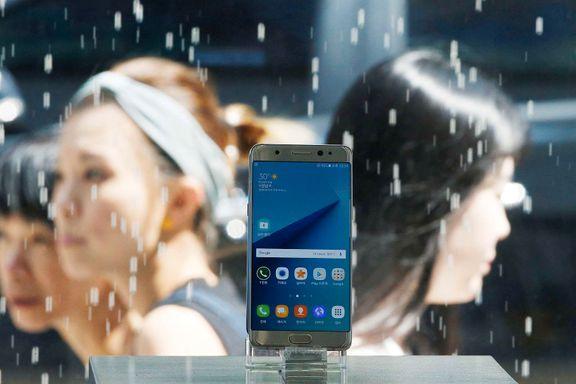 Samsung stopper salg av telefoner etter batterieksplosjoner