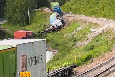 Deler av Nordlandsbanen stengt til over helgen etter avsporing. 40 ble evakuert.