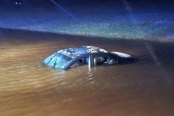 Bil havnet under vann i Indre Østfold