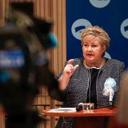 Erna Solberg ønsker Frp velkommen tilbake i regjering