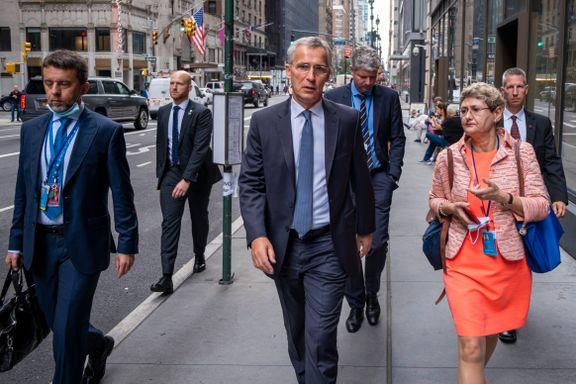 «Dobbeltspill», «forakt» og «løgner». På kort tid har Nato-sjefen fått to nye digre kriser i fanget.