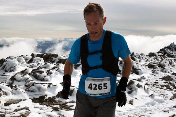 Han er småbarnspappa og i full jobb. Slik holder Eirik (36) seg som fjellkongen i nord.