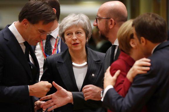 Britisk presse: - May ydmyket og dolket i ryggen igjen