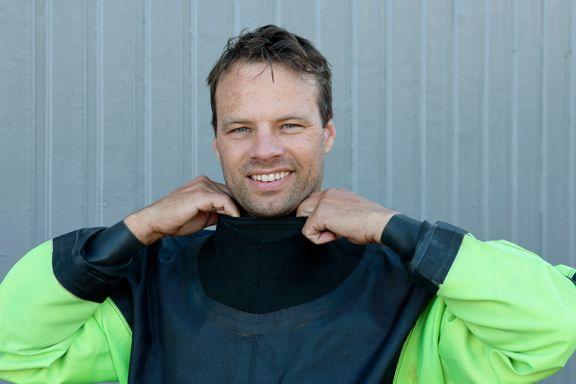 En 20 år gammel dykkerdrakt er en god venn for Frp-politikeren