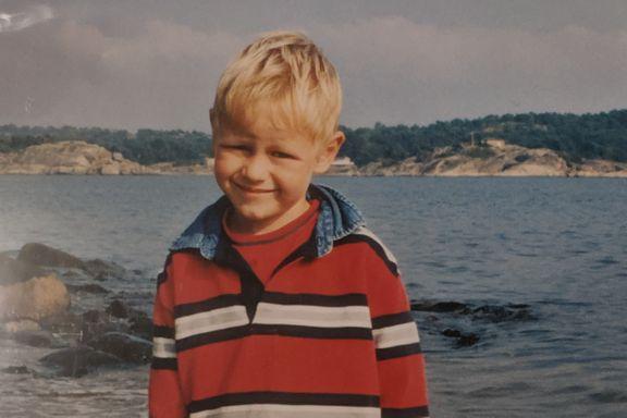 Da Philip Manshaus var liten, passet han på stesøsteren sin. 10. august 2019 drepte han henne.