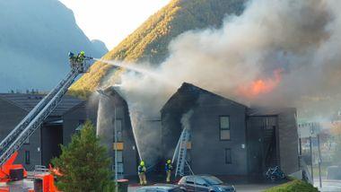 Politiet har begjært den siktede mannen etter brannen i Åndalsnes varetektsfengslet