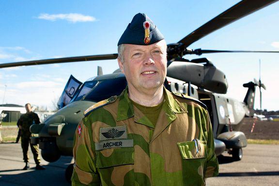 Hevder at satsingen på skandalehelikopteret NH90 var politisk styrt